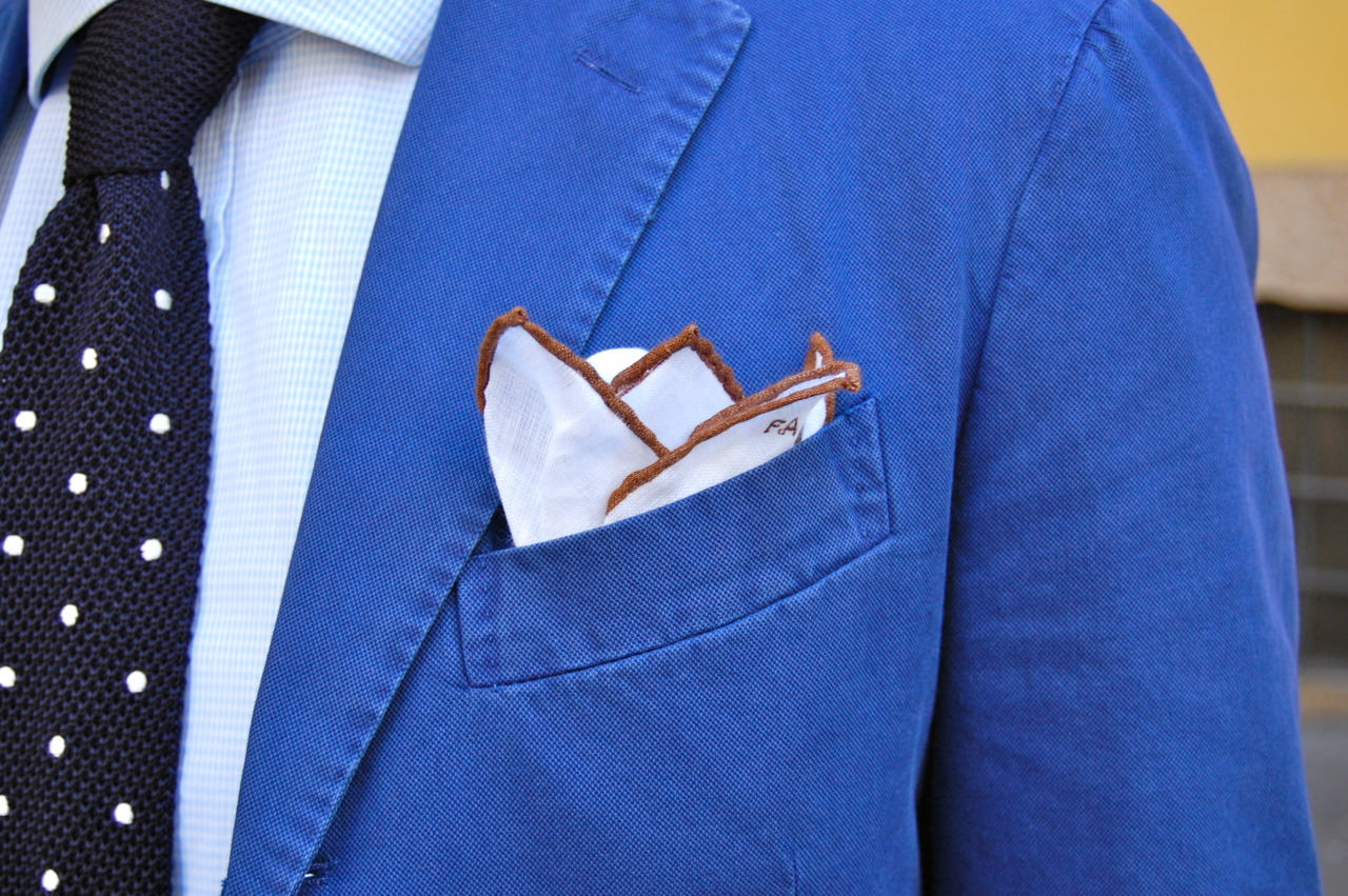 blue-jacket-monogram-pocket-square-men-detail-fashion-style-gentlemen