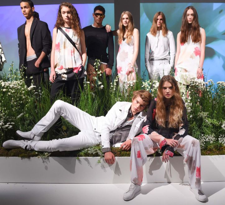 CALVIN KLEIN PRESENTS: SPRING 2016 MEN'S & WOMEN'S LINES
