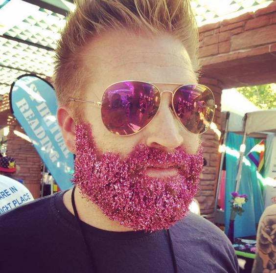 glitter-beards-are-sparkling-new-trend-male-facial-hair-men-shiny-sparkle-covered_3