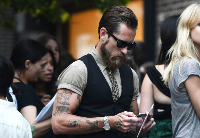 Tommy_Ton_men_street_style_nordstrom_gqnyfw19_tie_tats