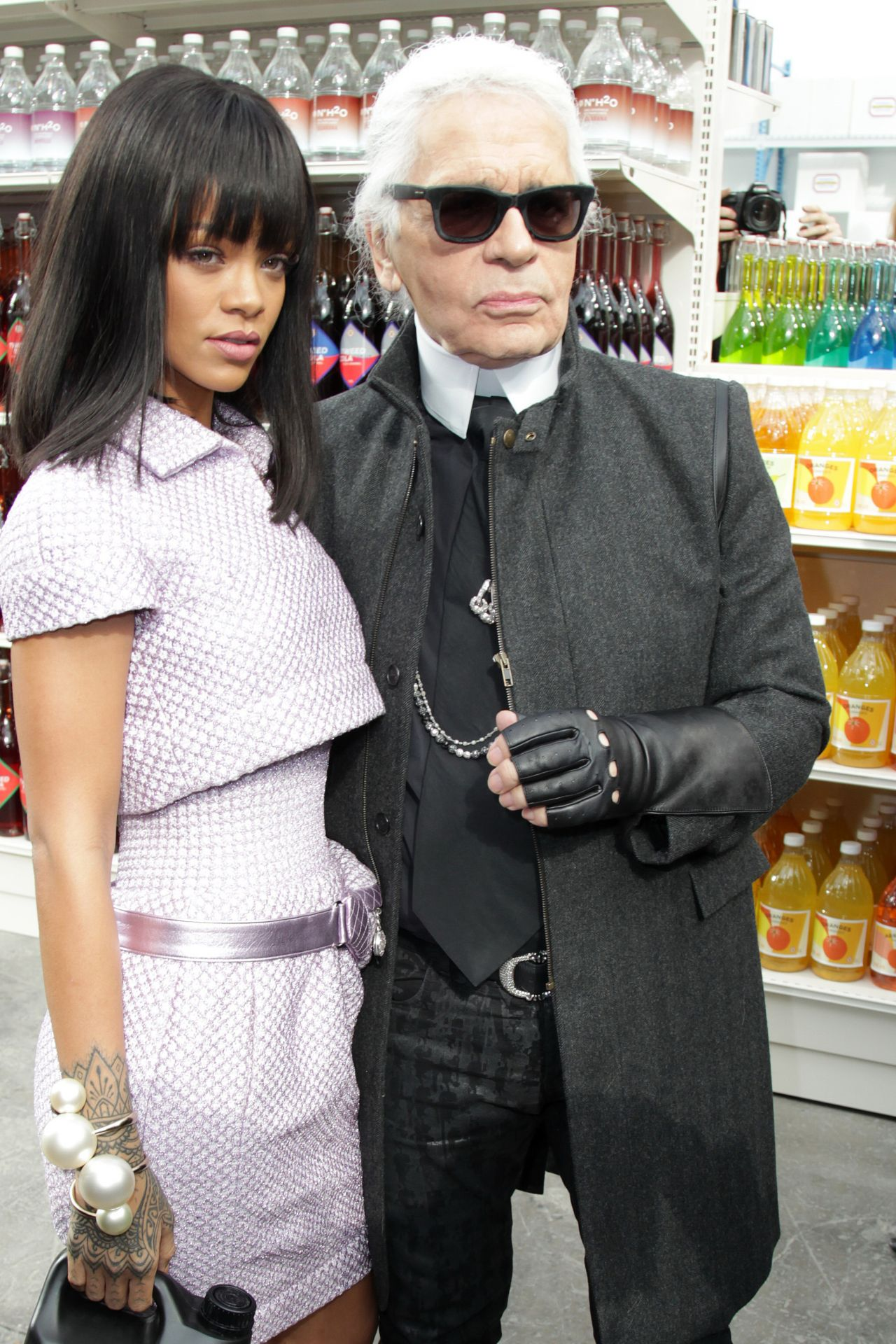 rihanna-and-karl-lagerfeld-in-paris-chanel-f-w-fashion-show-march-2014_1