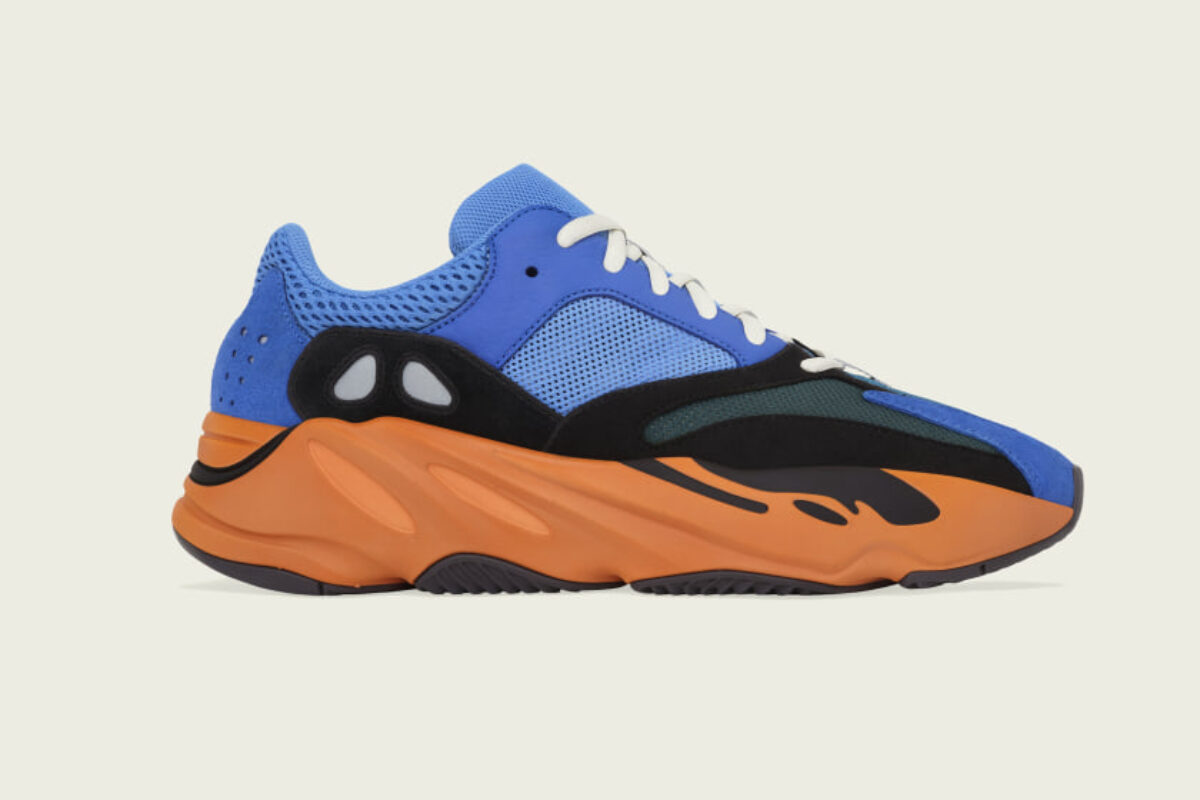 """Yeezy Boost 700 traz colorway """"Bright Blue"""" que divide opiniões"""